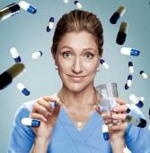 """""""האחות ג'קי"""" (""""Nurse Jackie""""), הסדרה המוערכת והשנונה זוכת שני פרסי ה""""אמי"""" 2013 חוזרת בעונה חדשה"""
