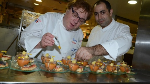 שף ויקטור גלוגר מציע תפריט טעימות כשר בהילטון