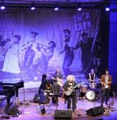 K.J שרה אמריקה שלי – ג'אז חם עם קיי ג'יי