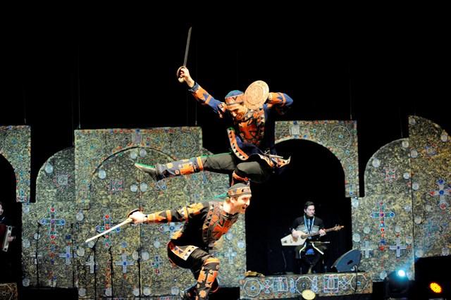 להקת המחול אריסיוני. צילום Badri Vadachkoria (6) (Custom)