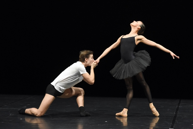 תיאטרון מחול שטוטגרט Ballet102_0257_ReginaBrocke