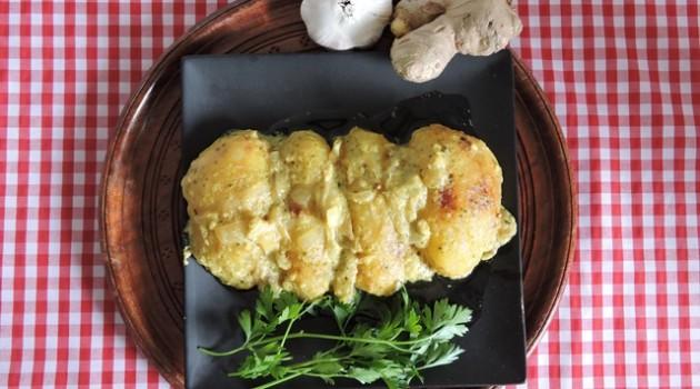 אָלוּ אָלוּ תבשיל תפוחי אדמה הודי בקארי