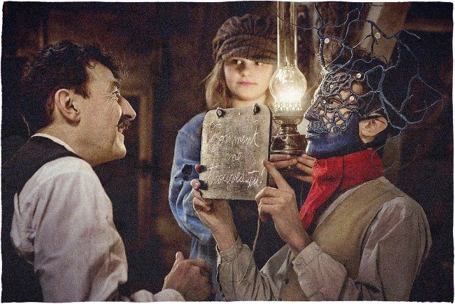 COPYRIGHTphoto-jerome-prebois-adcb-films-ressources_2017-06-19_AU-REVOIR-LA-HAUT-c-Jérôme-Prébois-ADCB-Films באדיבות יחצ SBPR