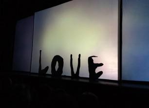תיאטרון הצלליות טיוליס בהופעה בראשון לציון