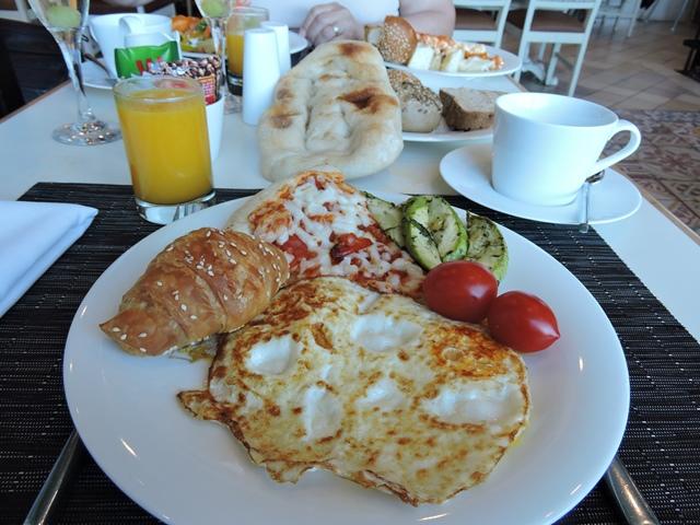 בארוחת בוקר