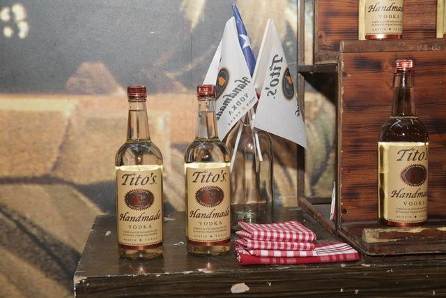 יקבי כרמל מרחיבים את הפעילות השיווקית של מותג Tito's handmade Vodka בישר...5