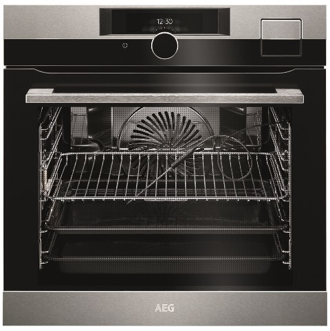 מיניליין יבואנית AEG ואלקטרולוקס משיקה סדרה של תנורי בישול ואפייה בטכנולוגיה חדישה –בתמונה תנור מדגם BSK289233M AEG oven SteamPro Sous Vide_