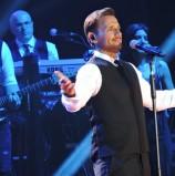 הזמר היווני ניקוס ורטיס בהיכל מנורה מבטחים 2019