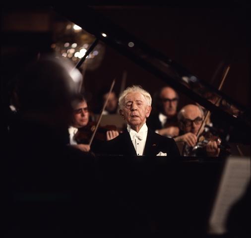 רובינשטיין-אמנות-על-המסך-A05500594_Chopin-_KK2_Previn