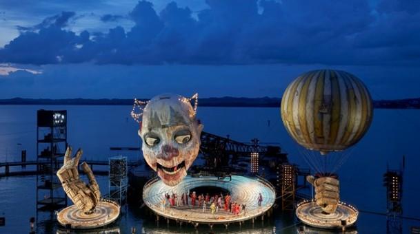 ריגולטו האופרה באה לקולנוע – רואים משם שומעים מכאן