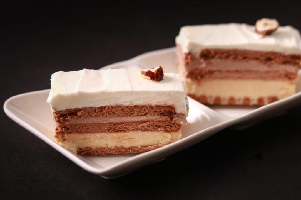 עוגת גבינה שכבות טבעונית בשלושה טעמים צילום חנה יודייקין