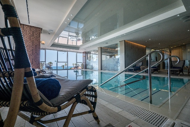 הבריכה בספא מלון DAVID TOWER צילום איתי סיקולסקי8