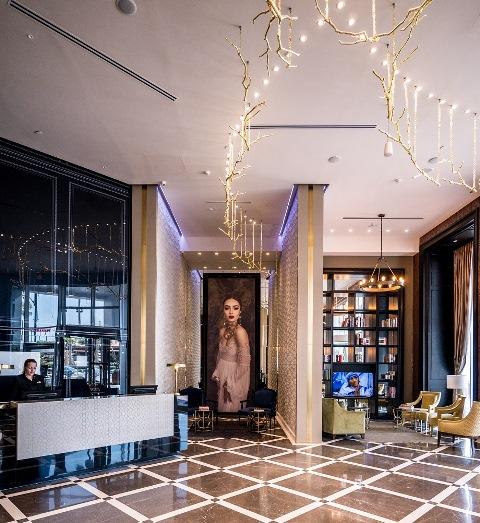 לובי יוקרתי מלון DAVID TOWER צילום איתי סיקולסקי