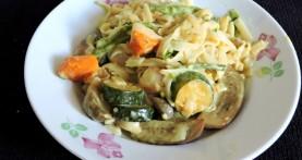 קארי אטריות אורז וירקות